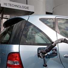 hydrogen cars essay Paul maccready argues in the forthcoming book of essays the hydrogen energy transition that improved battery technology will trump hydrogen and fuel cell vehicles and many, including john decicco of environmental defense, also in the hydrogen energy transition, argue that the hydrogen transition.